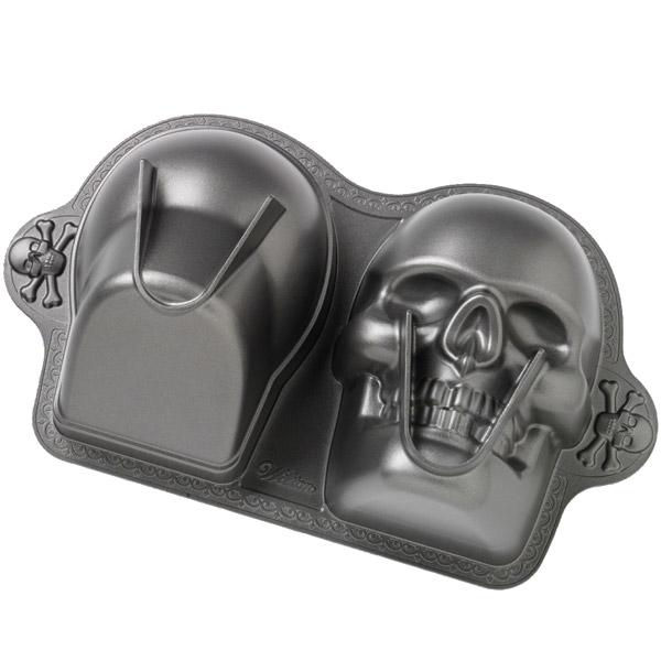Wilton Dimensions 174 3 D Skull Pan Tutorial Momspotted