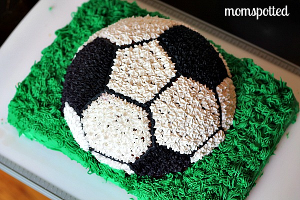 My Soccer Ball Cake! - MomSpotted