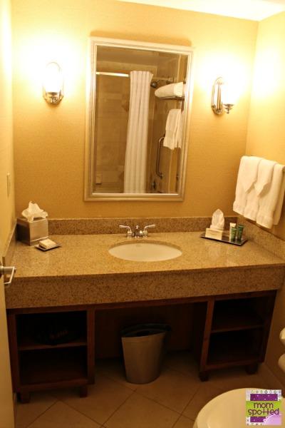 Hilton Mystic Hotel Bathroom