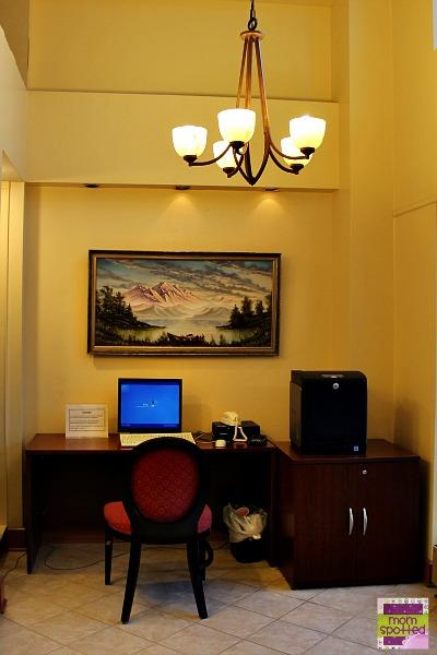 Hilton Mystic Hotel work area