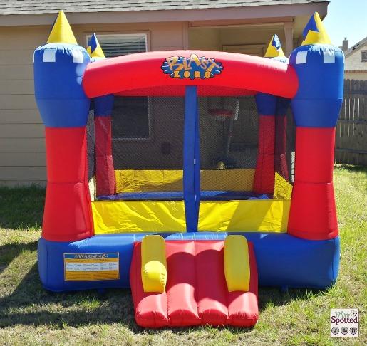 Blast zone magic castle inflatable bouncer review for Blast zone magic castle inflatable bounce house