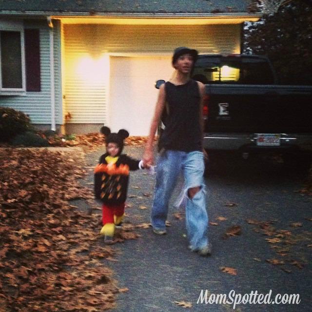 2014 Halloween Johnny & Sawyer Trick or Treating