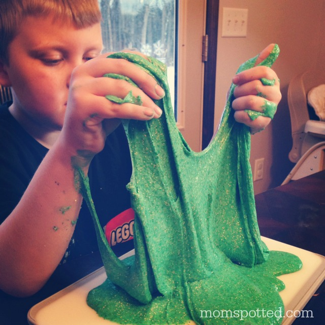 Green Sparkle Leprechaun Slime {Fun Crafts With Mom}