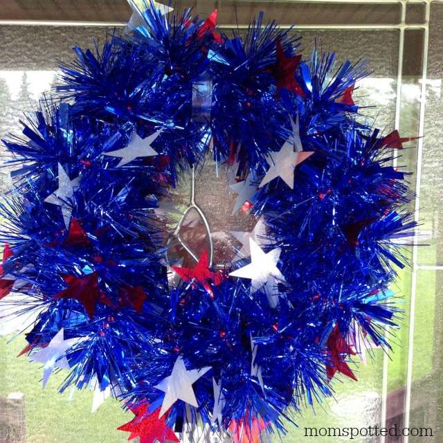 Easy Three minute Holiday Wreath momspotted
