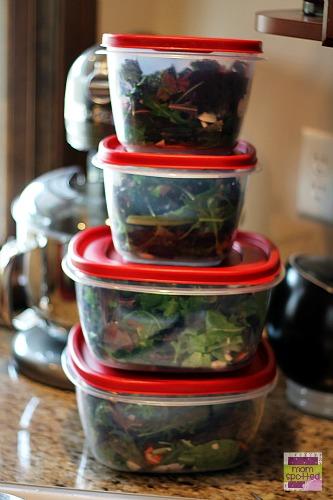 Crispy Chicken Salad with Cheddar & Bacon Kraft Fresh Take #KraftFreshTake #momspotted premade salads rubbermaid