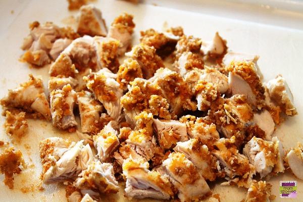 chopped chicken Crispy Chicken Salad with Cheddar & Bacon Kraft Fresh Take #KraftFreshTake #momspotted