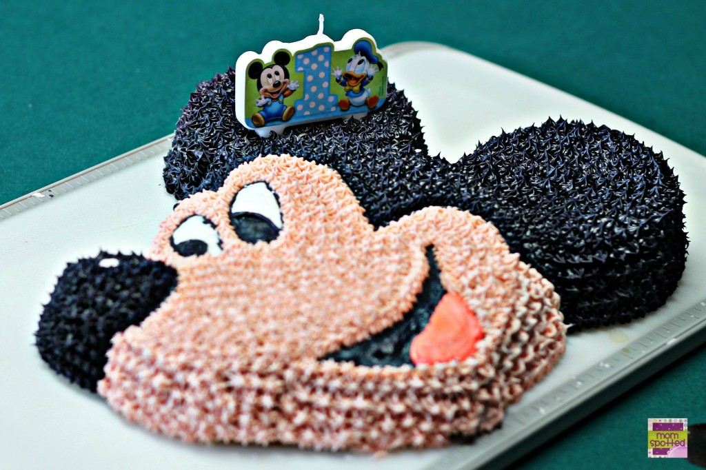 Wilton Disney Mickey Mouse Clubhouse Cake {Step by Step Tutorial}