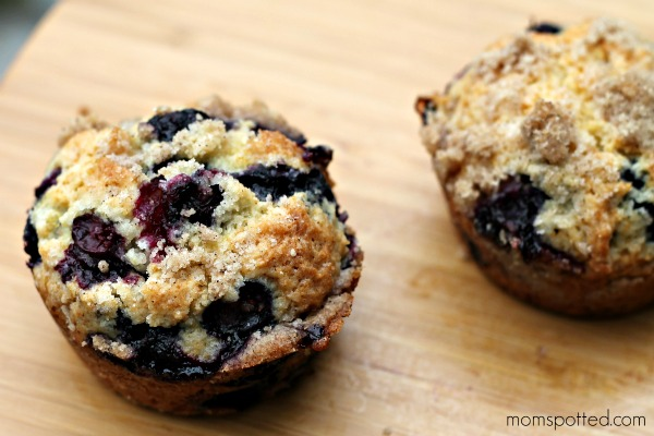 Blueberry Lemon Streusel Muffins 23