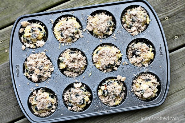 Blueberry Lemon Streusel Muffins 3