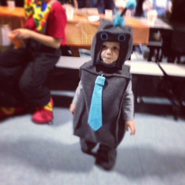 Sawyer's 2013 Halloween Robot Costume #momspotted