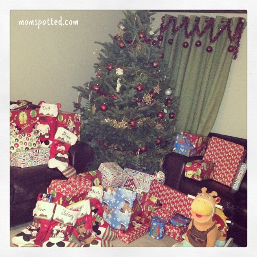 MomSpotted Christmas 2013 Santa Came Tree