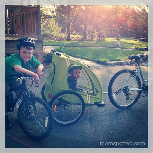 Bike ride with Sawyer & Gavin Joovy Cocoon #momspotted