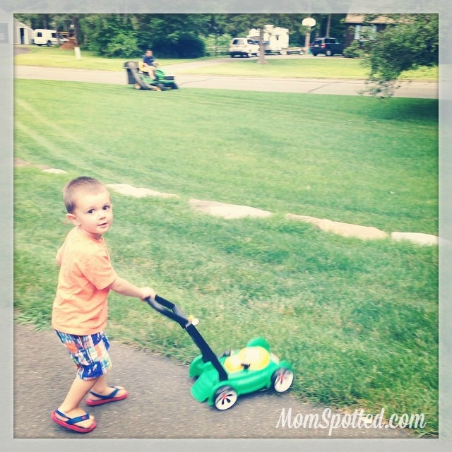 Little Tikes Gas 'N Go Mower Sawyer Just like Daddy