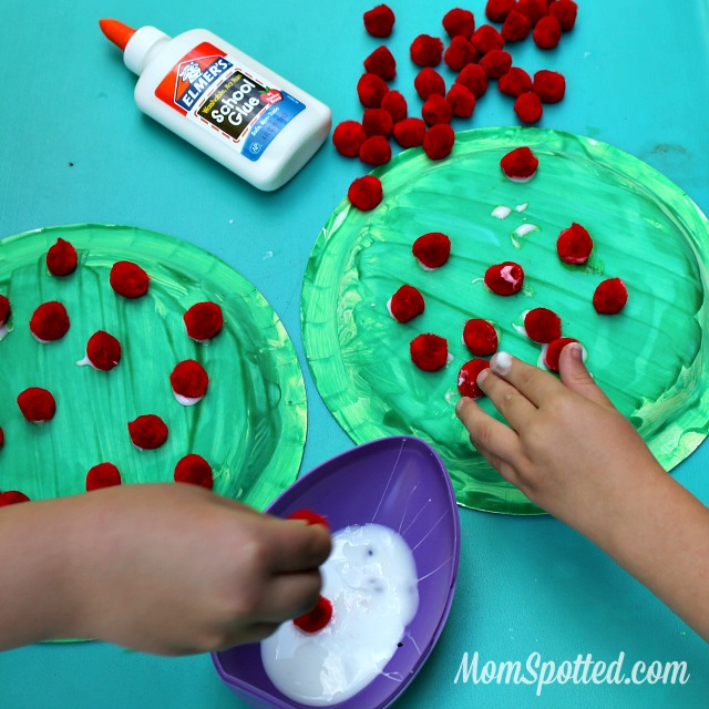 Make Your Own Apple Trees {Toddler Friendly #Craft} momspotted.com #applecraft #toddlercraft #appletree
