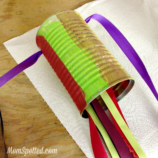 Kids Wind Sock {DIY Soup Can Craft} #FunCraftsWithMom