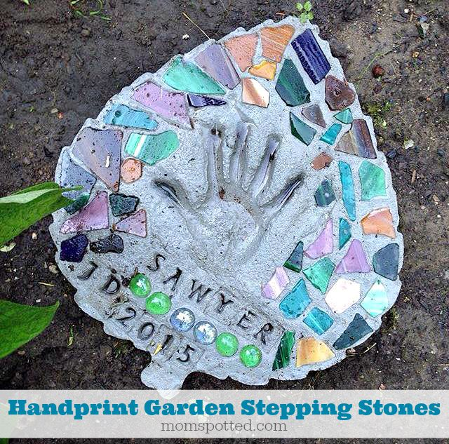 Handprint Garden Stepping Stones You Can Make Yourself {Fun Crafts With Mom} #FunCraftsWithMom