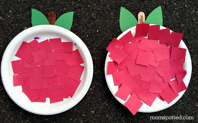 A is for Apple! An Apple Paper Plate Craft! Fun Autumn Preschool Project on momspotted.com
