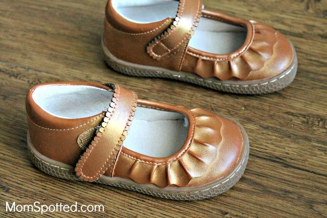 Livie \u0026 Luca Has The Shoes Your Kids