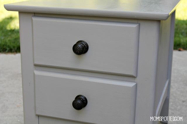 Amy Howard End Table DIY knobs