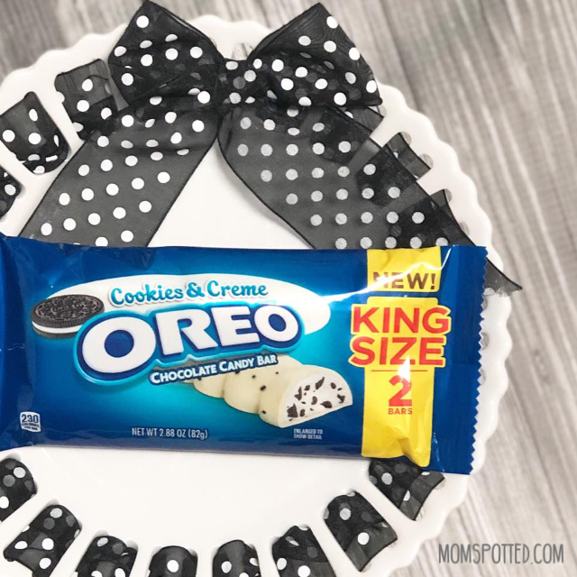 OREO Cookies & Creme Chocolate Bar