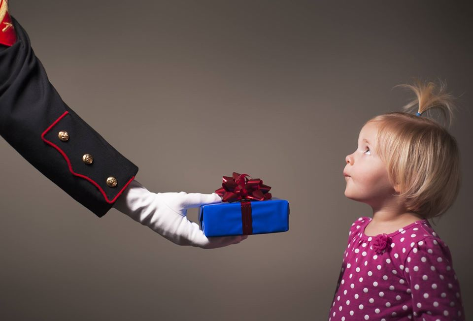 Acts of Kindness & Supporting Charities During The Holiday Season